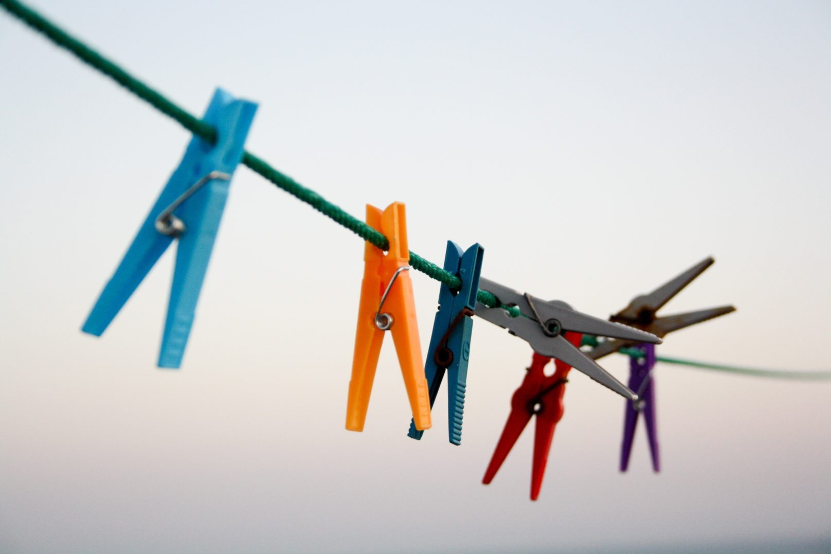 clothes line pegs